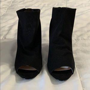 Black heels / booties